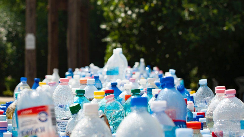 Sejarah Penemuan Plastik Yang Mengubah Dunia PranataPrinting